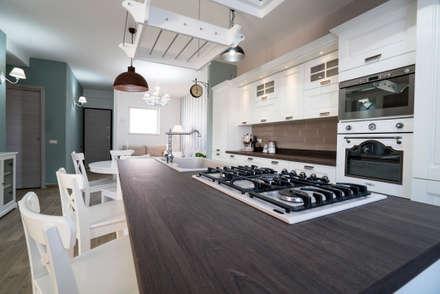 Appartamento Stile Shabby Chic Rustico: Cucina in stile in stile Rustico di T_C_Interior_Design___