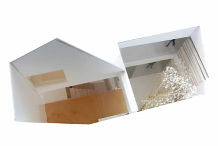 patio: Casas de estilo industrial de juan marco arquitectos