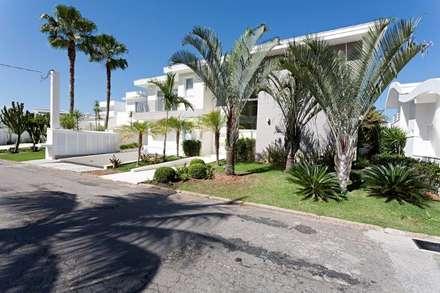 L39: Casas modernas por Tammaro Arquitetura e Engenharia
