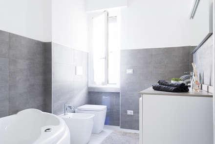 Villetta a schiera a Saronno: Bagno in stile in stile Moderno di Made with home