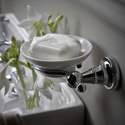 Holborn soap dish: classic Bathroom by Heritage Bathrooms