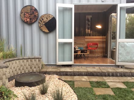 Bug Hotel on this eco home: industrial Houses by Acton Gardens