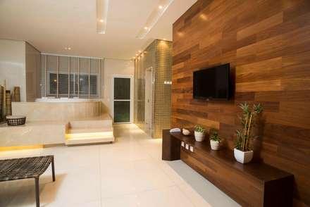Spa de estilo rústico por OIKE Arquitetos