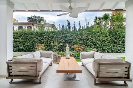 VILLA A FORTE DEI MARMI: Giardino in stile in stile Moderno di STUDIO PISANI