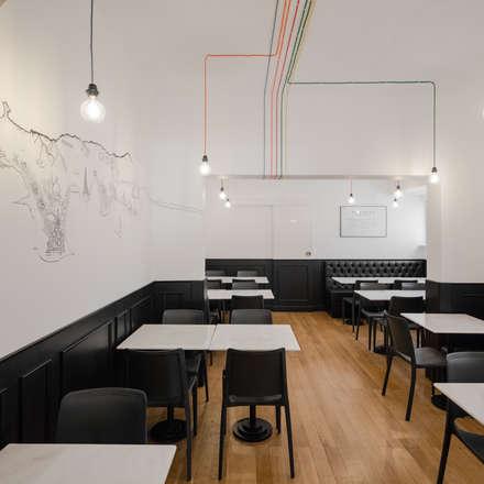 FIVE Pizza + Burguer Restaurant: Espaços de restauração  por FMO ARCHITECTURE
