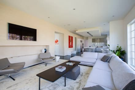 Craftsman Modern: modern Living room by FORMA Design Inc.
