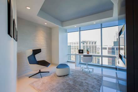 Skyline Flat in Rosslyn: modern Study/office by FORMA Design Inc.