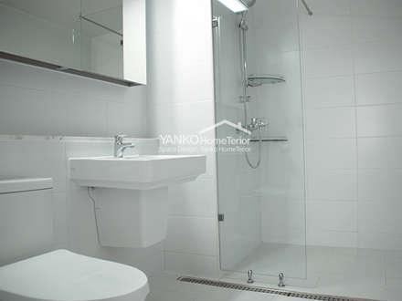 용인 동백동 동원로얄듀크 44평 아파트: 얀코인테리어의  화장실