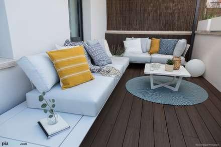Apartamento Guinardó  : Terrazas de estilo  de Pia Estudi