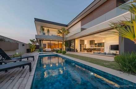 minimalistic Pool by Padovani Arquitetos + Associados