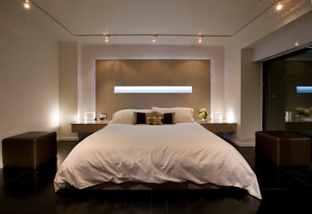 Flat on the Georgetown Canal: modern Bedroom by FORMA Design Inc.