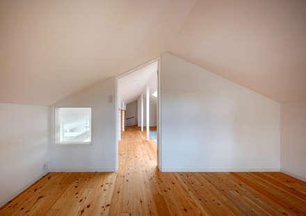 ロフト: atelier mが手掛けた書斎です。