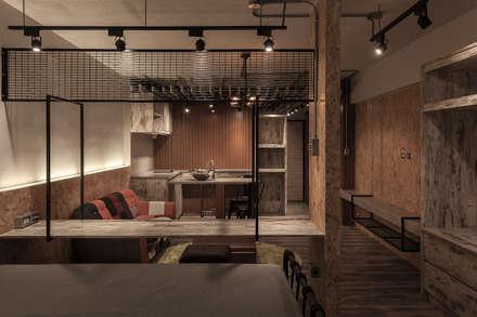 名人陳宅:  臥室 by DS&BA Design Inc 伊國設計