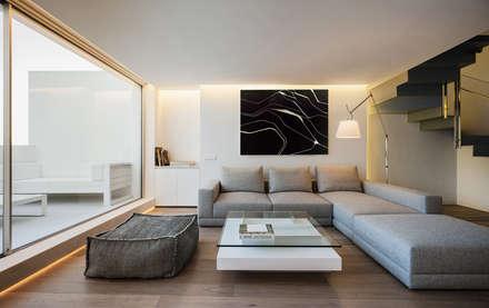 BLS _ Casa bajo el azul del cielo · Gallardo Llopis Arquitectos: Salones de estilo minimalista de Gallardo Llopis Arquitectos