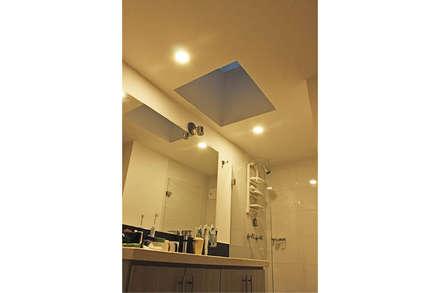 Baño: Baños de estilo minimalista por Ensamble de Arquitectura Integral