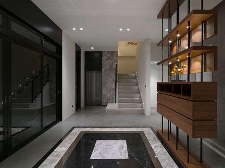 Koridor dan lorong by 構築設計