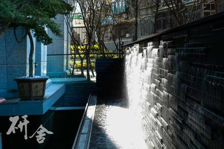 桃園-定泰翫寶景觀設計:  活動場地 by 研舍設計股份有限公司