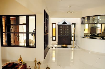 kerala projects:  Corridor & hallway by Royal Designs Architects
