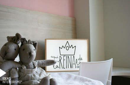 Decoración de un apartamento en Gandía.: Dormitorios infantiles de estilo mediterráneo de Ideas Interiorismo Exclusivo, SLU