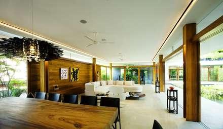 Privacy Tropical Garden Design: Asiatische Wohnzimmer Von Paul Marie  Creation