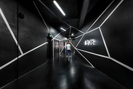 RACE Robotics Lab:  Offices & stores by MinistryofDesign