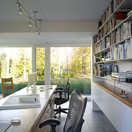 Paradise Lane, Litchfield County, CT: modern Study/office by BILLINKOFF ARCHITECTURE PLLC