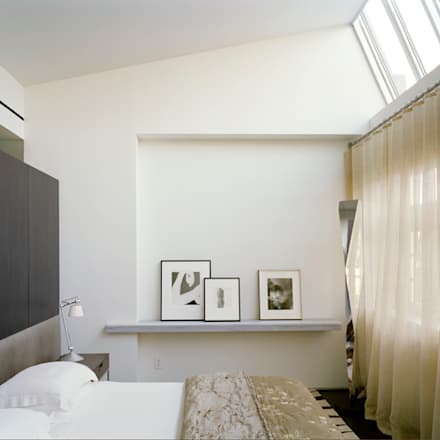 West Village Brownstone, New York, NY: eclectic Bedroom by BILLINKOFF ARCHITECTURE PLLC