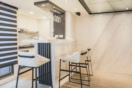 單身貴族的私人空間:  廚房 by VH INTERIOR DESIGN