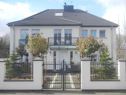 Mit klassische Proportionen,...:  Einfamilienhaus von 2kn Architekt + Landschaftsarchitekt