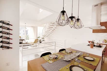 Elena: eclectic Dining room by Marilen Styles