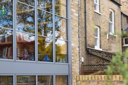 Double height crittall style extension: eclectic Houses by HollandGreen