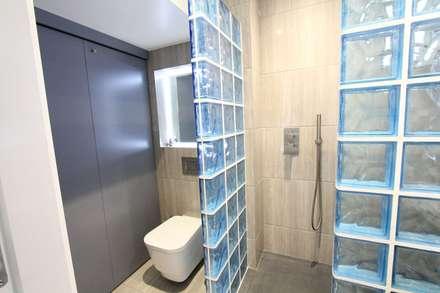 Streatham SW London: modern Bathroom by Hoch Bau Architecture