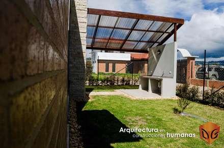 CASA CANELON: Jardines de estilo moderno por DG ARQUITECTURA COLOMBIA