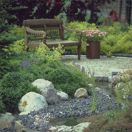 ... ein Kiesgartenbild:  Steingarten von 2kn architekt + landschaftsarchitekt Thorsten Kasel + Sven Marcus Neu PartSchG