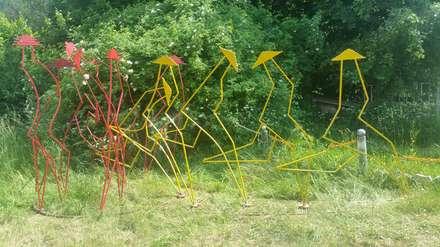 Dem Schicksal entgegen:  Vorgarten von joheed-art