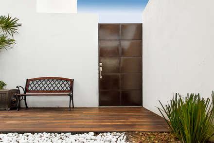 modern Garden by S2 Arquitectos