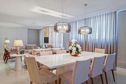 Apto AK_ 220m²: Salas de jantar modernas por Carolina Kist Arquitetura & Design