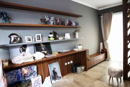 Rumah A+S:  Koridor dan lorong by The GoodWood Interior Design
