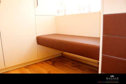Begebares Ankleidezimmer - Sitzbank: klassische Ankleidezimmer von Wagner Möbel Manufaktur