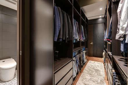 Closets de estilo escandinavo por 齊禾設計有限公司