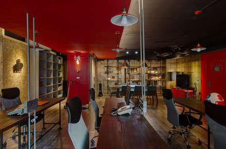 如咖啡廳的復古工業風辦公室:  辦公大樓 by 哲嘉室內規劃設計有限公司