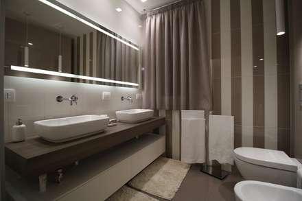 Appartamento a Termini Imerese PA: Bagno in stile in stile Moderno di Giuseppe Rappa & Angelo M. Castiglione