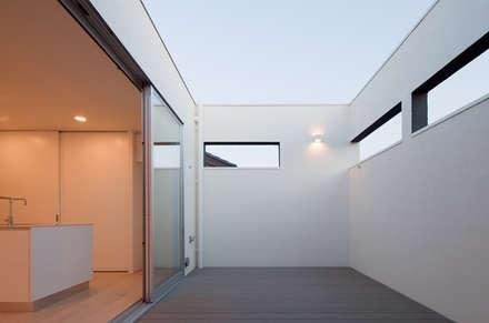 四街道の家: Studio Noaが手掛けたサンルームです。