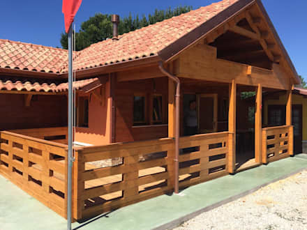Wooden houses by GardenDeco