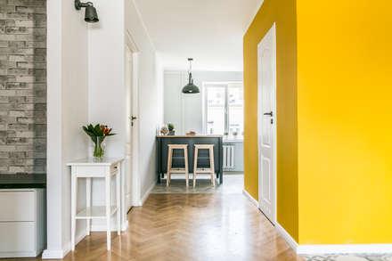 Apartament inny niż wszystkie: styl , w kategorii Kuchnia zaprojektowany przez IDeALS | interior design and living store