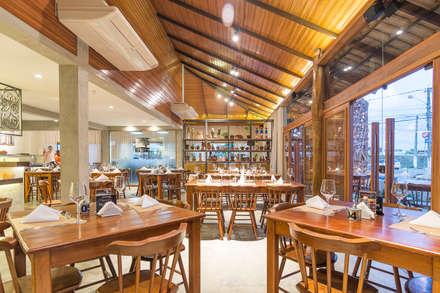 Rustikale gastronomie architektur design homify for Gastronomie architektur