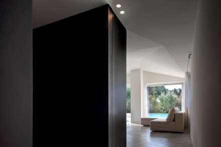 037_CASALE IN CAMPAGNA : Cantina in stile in stile Classico di MIDE architetti