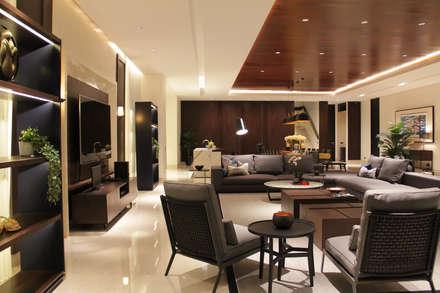 BS RESIDENCE:  Ruang Keluarga by ALIGN architecture interior & design