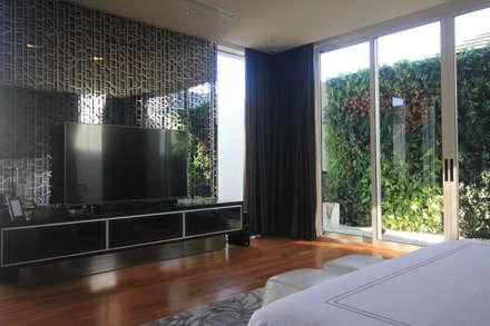 SL RESIDENCE:  Kamar Tidur by ALIGN architecture interior & design