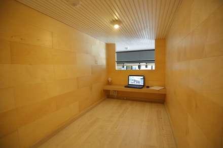 대구 남구 대명동 예쁜 카페 커피숍 인테리어 리모델링: inark [인아크 건축 설계 디자인]의  베란다